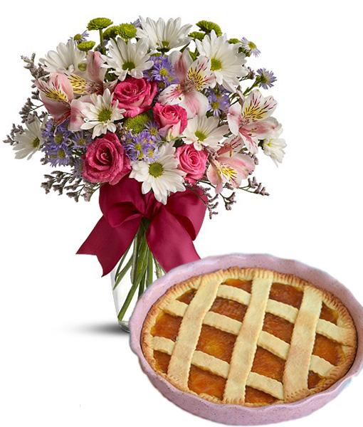 bouquet-di-fiori-misti-con-crostata-alla-marmellata